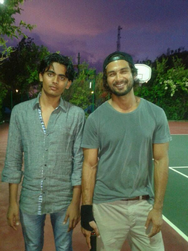 The Chocolate boy of #Bollywood, #Shahidkapoor with Mohammad Shoeb at Ravine Hotel.