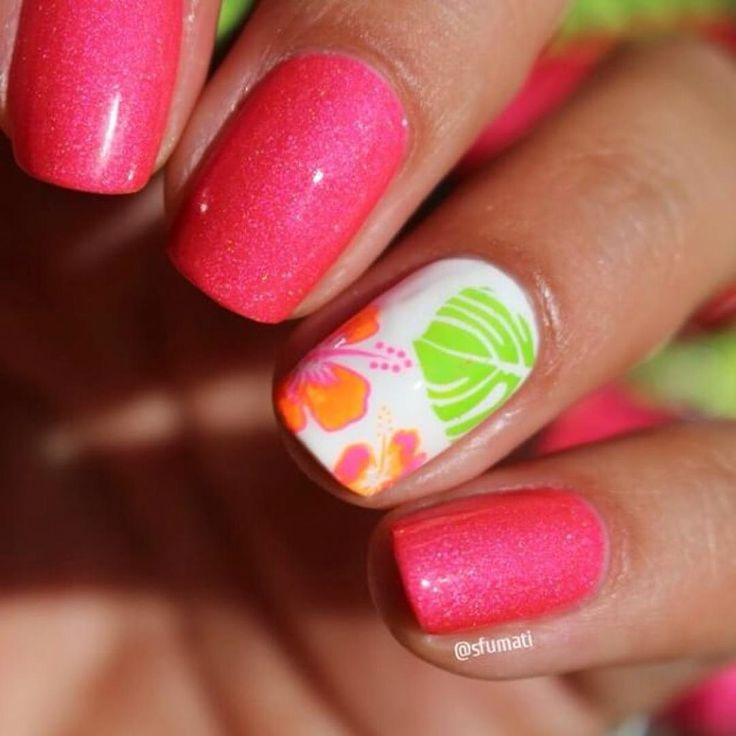 Topatopa sur Instagram: Accent nail tropical réalisé par @sfumati avec les plaques TP01 et TP08  #topatopa #topatopa_fr