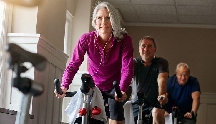 Intense workouts can slow the worsening of Parkinson's symptoms in people in the early stages of the disease, according to a new study.
