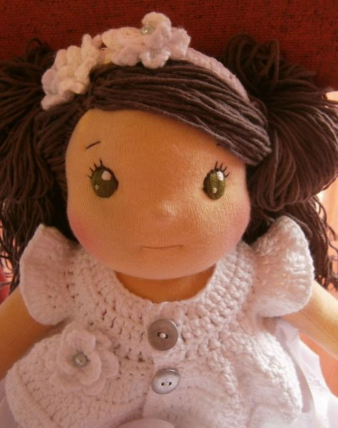 Waldorf Doll... Oh gosh, I love these eyes even more!!  Such a cute baby doll.