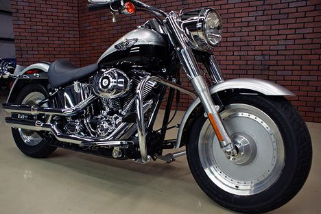 100th anniversary harley fat boy wanna this one pinterest anniversaries harley davidson. Black Bedroom Furniture Sets. Home Design Ideas