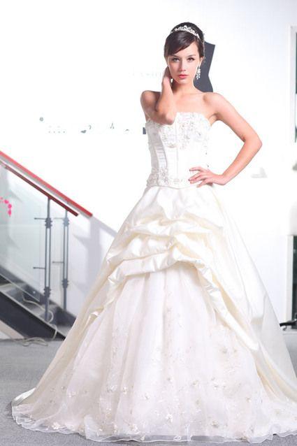 Lots robes de mariée neuves cause cessation d'activité