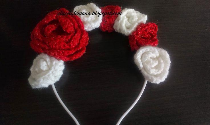 eLucru de mana: Coronita cu trandafiri aplicati