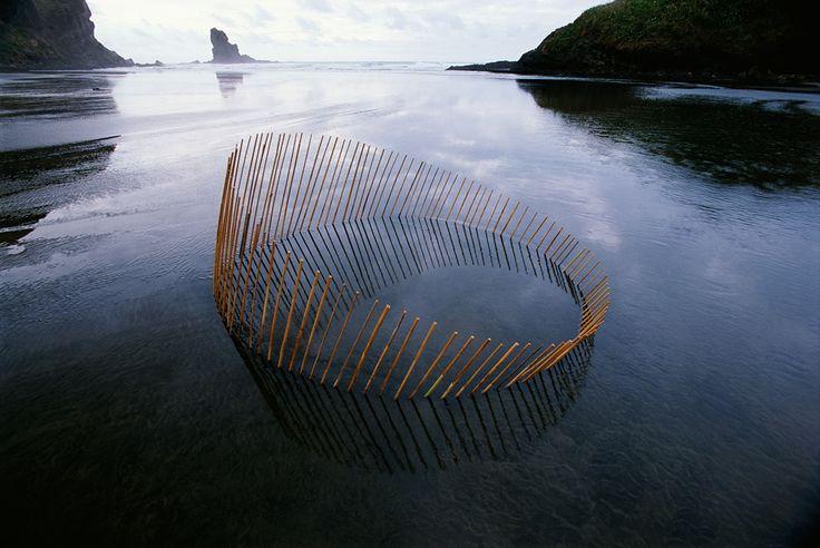 Des Sculptures Land Art évoquent les Cycles de la Nature (3)