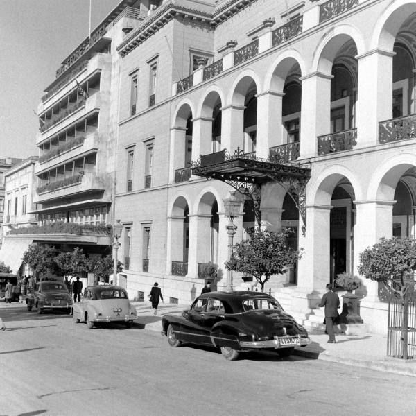 Athens, Syntagma Sq, King George Hotel & Grande Bretagne Hotel January 1948 - Photographer:Dmitri Kessel