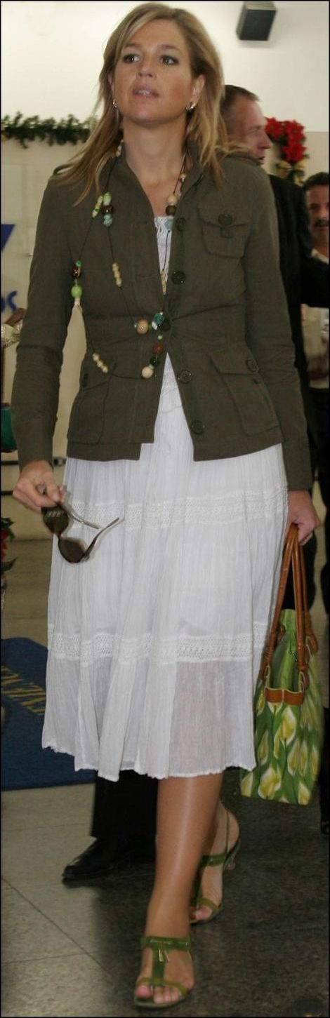 Queen Maxima has great fashion sense, she always looks great - dressed in finery or dress casual - no matter the occasion.