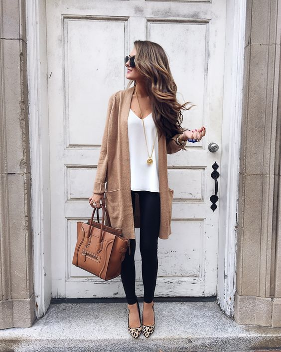 Casual Fall / Winter Fashion Style. Very Light and Fresh Look.