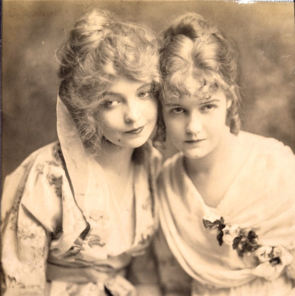Lillian Gish (1893-1993) was born in Springfield, Ohio. At age five she began acting on Broadway with touring companies, often with her younger sister Dorothy.