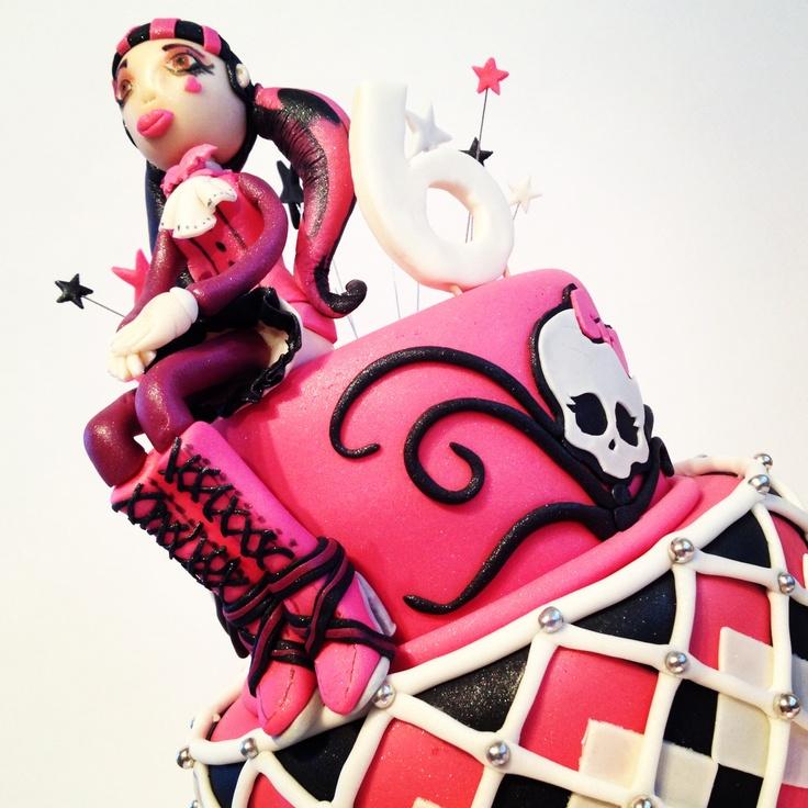Monster high 2 Tier cake