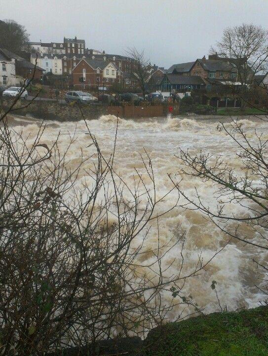 Rough waters - River Exe at Exeter