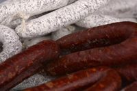 The earliest recorded pickled sausage recipe dates back to about 1888 and comes to us from a pub owner in London who decided to sell the tasty morsels as an attraction to get more custom. Penrose sausages are a brand of pickled sausages made by the Penrose Company which discontinued selling jarred meats in 2009 …