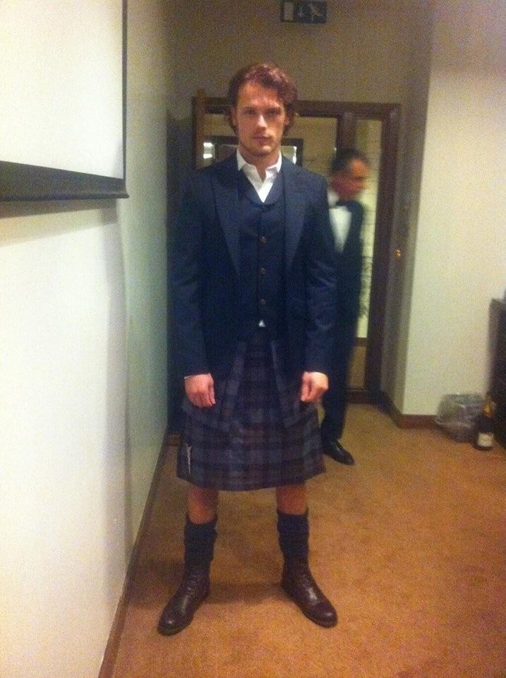 Sam heughan bafta awards beautiful man kilts sam scottish bafta