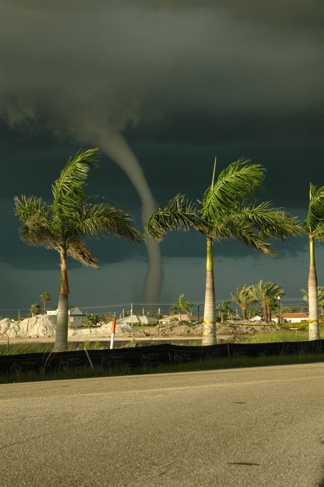 Tornado, Gilchrist Park, Punta Gorda, FL, crossed both h/way 41 bridges before touching down in the park. Picture taken from Ponce de Leon Park
