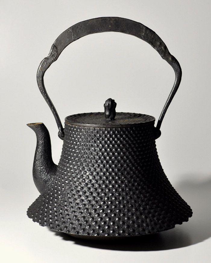 Japanese cast iron kettle teapot Tetsubin Nambu Hobun-dou Mt. Fuji shape