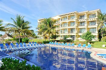 Hotel Marina El Cid Spa & Beach Resort All Inclusive (Puerto Morelos, Mexico) time share sales - beautiful beaches on far side
