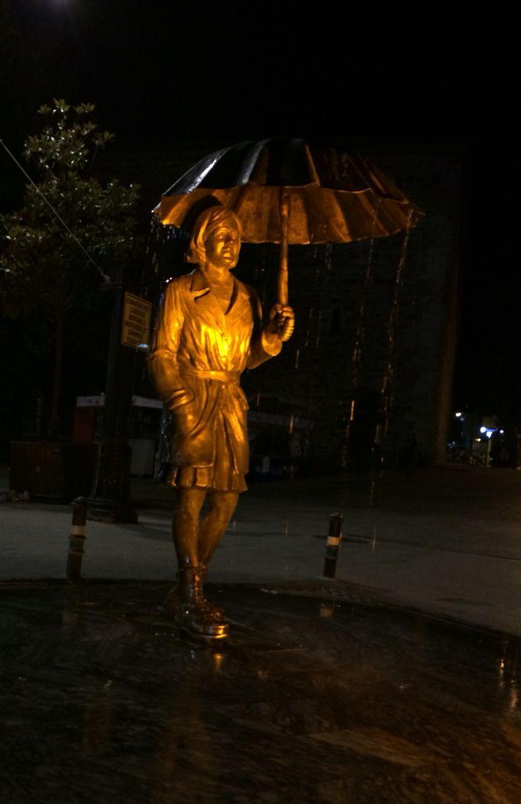 #yagmur #kadın #semsiye