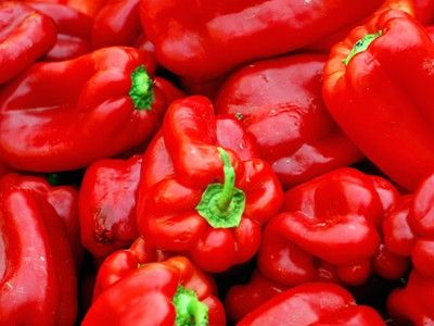 32 Companion plants to grow with your peppers