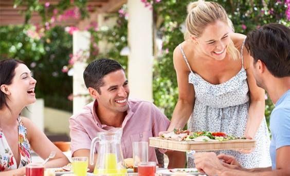 Głębia od Benetton!  Wzory w klimacie etno sprawią, że każdy, z pozoru zwyczajny, codzienny posiłek będzie niczym podróż do ciepłych krajów. Głębokie przeżycia gwarantowane! http://houzee.pl/kampania/benettonczarny