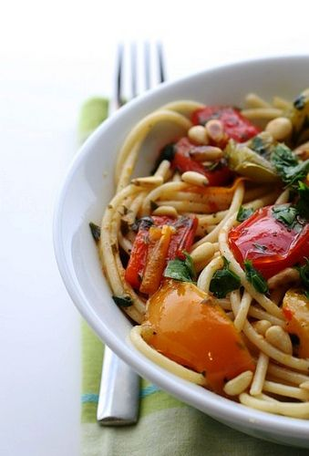 Spaghetti with Bell Peppers and Pine Nuts