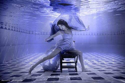 Девушки под водой от Kenvin Pinardy