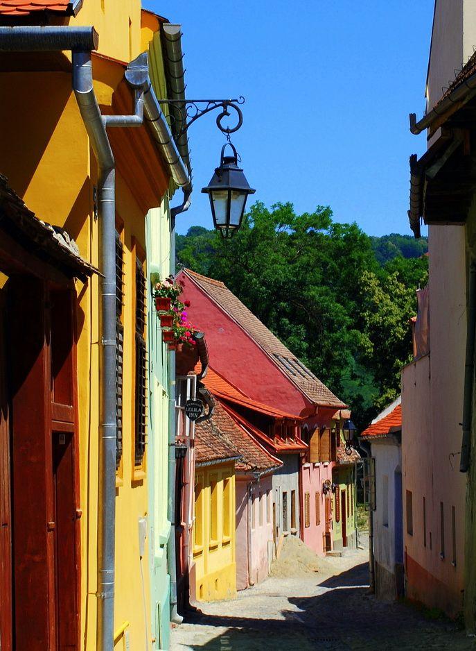 Colorful streets of Sighişoara, Transylvania, Romania (by MarculescuEugenIancu).