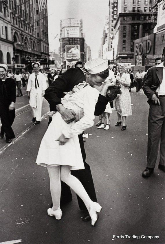 1945 VJ Day Times Square Kiss Photo New York NYC Iconic Romantic Sailor Art
