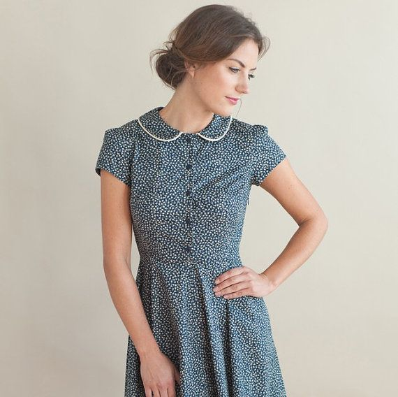 Navy+floral+dress+with+peter+pan+collar+by+PLUMANDPIGEON+on+Etsy