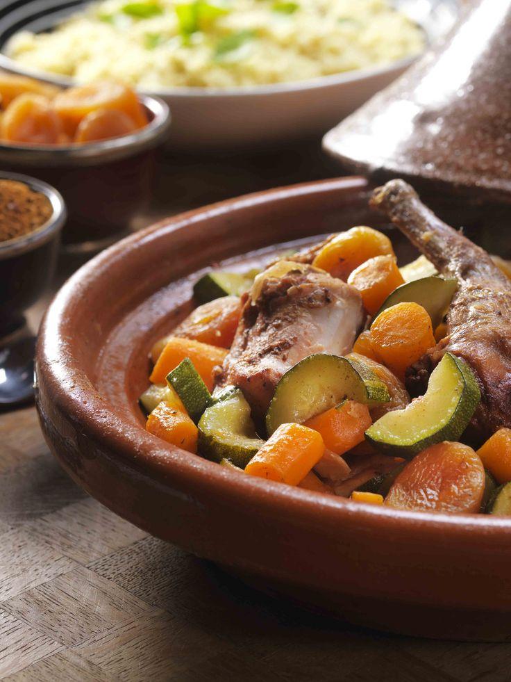 Een overheerlijke kruidig-zoete tajine met konijn en groenten, die maak je met dit recept. Smakelijk!