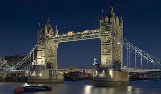 Tower Bridge is a combined bascule and suspension bridge in London built in 1886–1894. The bridge crosses the River Thames close to the Tower of London and ha... Get more information about the Tower Bridge on Hostelman.com #attraction #United #Kingdom #landmark #museum #travel #destinations #tips #packing #ideas #budget #trips