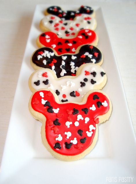 Mickey Mouse Cookies by ParisLovesPastry.com