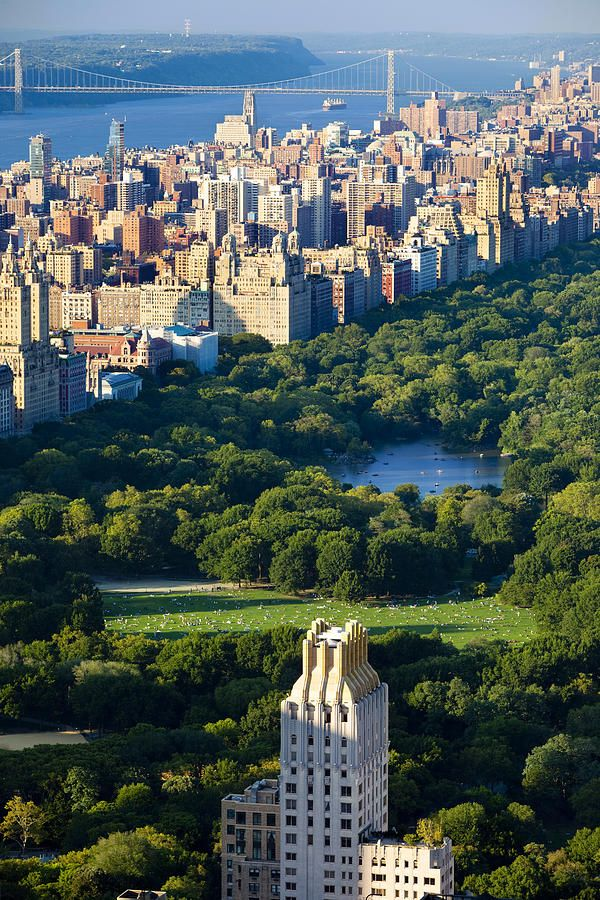 Central Park, looking north on the Hudson River & the GW Bridge, New York City