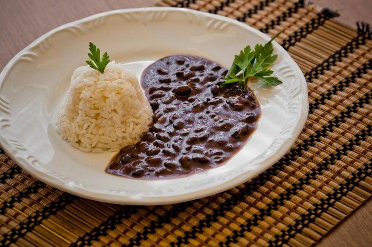 Aprenda a preparar a receita de Feijão preto fácil
