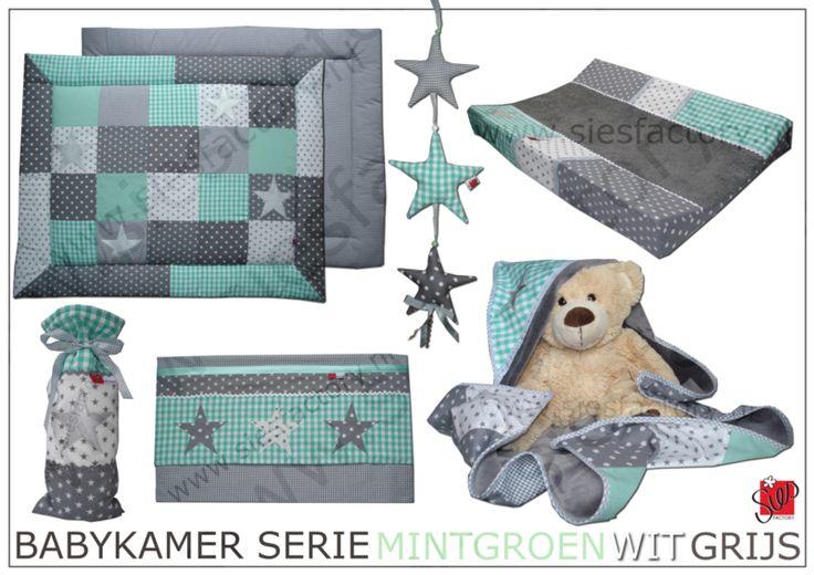 Babykamer aankleding in mintgroen, grijs en wit met accent van zilveren sterren