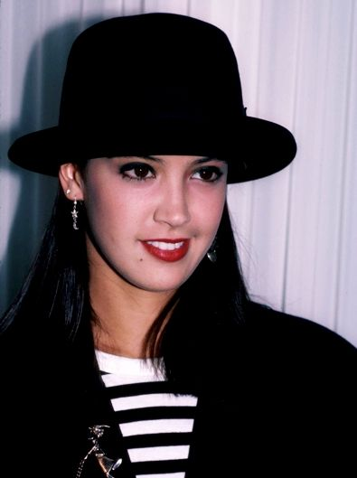 26 Best Phoebe Cates Images On Pinterest Phoebe Cates Beautiful Actresses And Beautiful Women