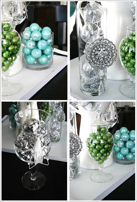 christmas decor details--instead of mixing the colors do them seperate?
