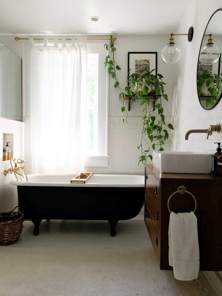 1920s Renovated Bathroom Vintage Modern Decor And House Plants Modern Vintage Decor Eclectic Bathroom Home Decor
