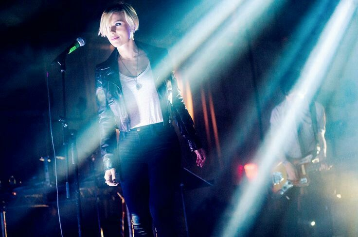 Scarlett on stage