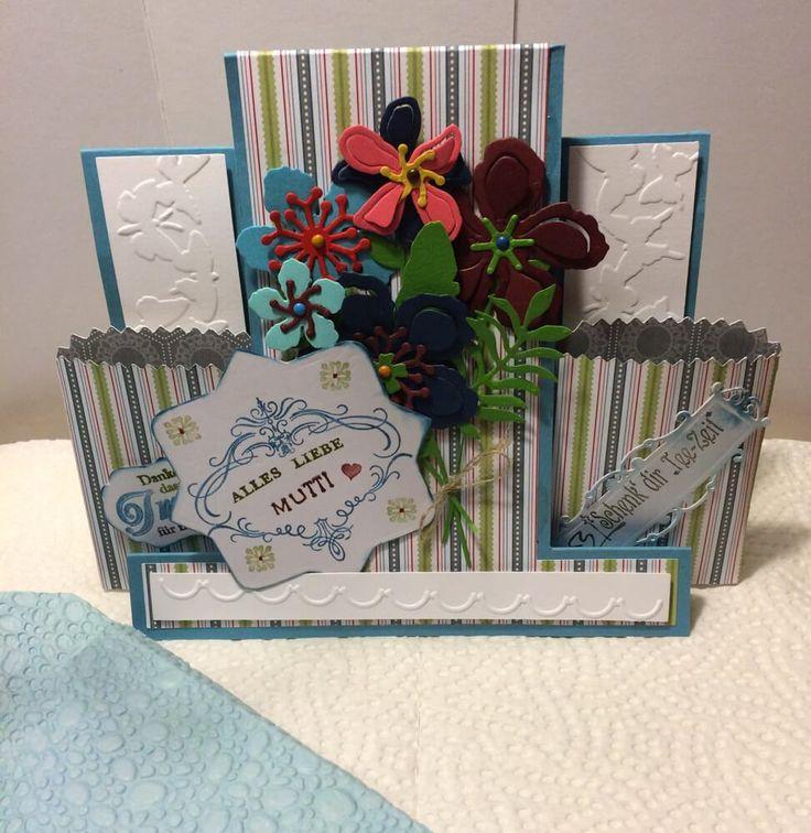 Center Step Card zum Muttertag (Mutti), verziert mit Blüten aus Botanical Builder Framelits Dies und kleinen Teebeuteltütchen