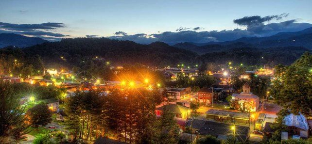 Bryson City, NC - 2016 Best Guide. Stay. Eat. Things to Do...