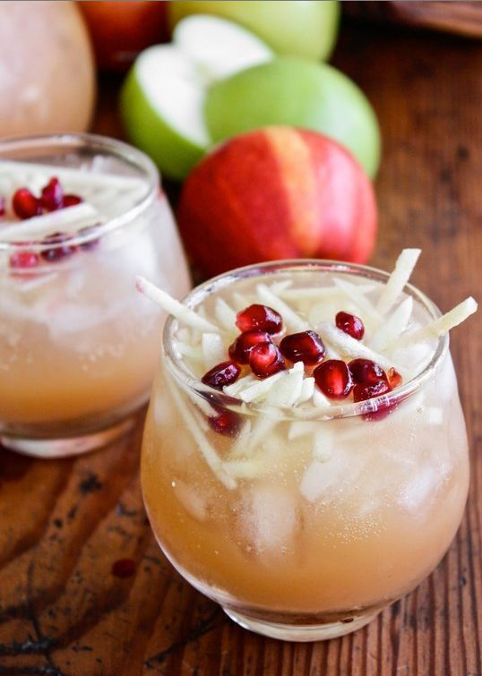Sparkling Apple Cider Sangria | 21 Winter Cocktails To Get You Through The Cold