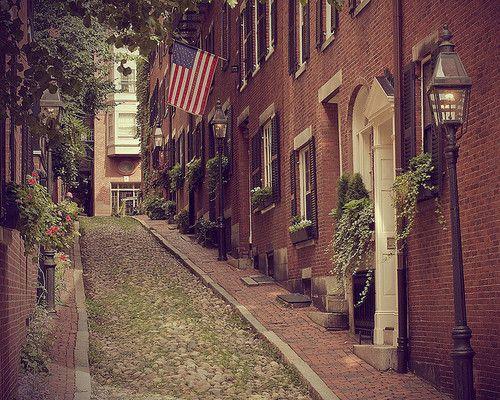 Acorn Street. Beacon Hill, Boston. The most photographed street in Boston.