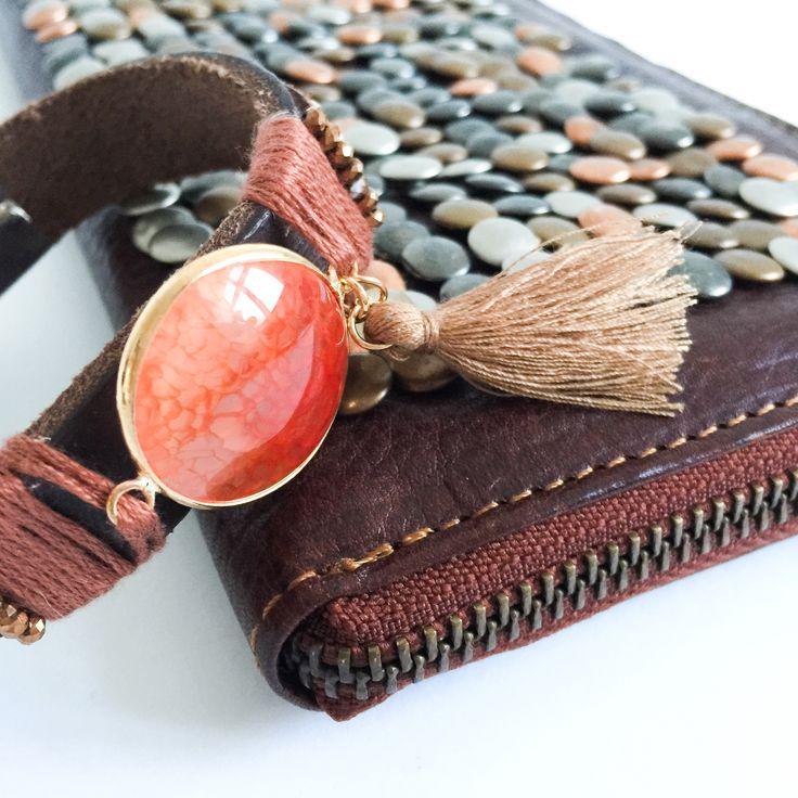 www.steegengamode.nl / fashion / mode / style / accessories / bracelet / purse / studs / orange / leather