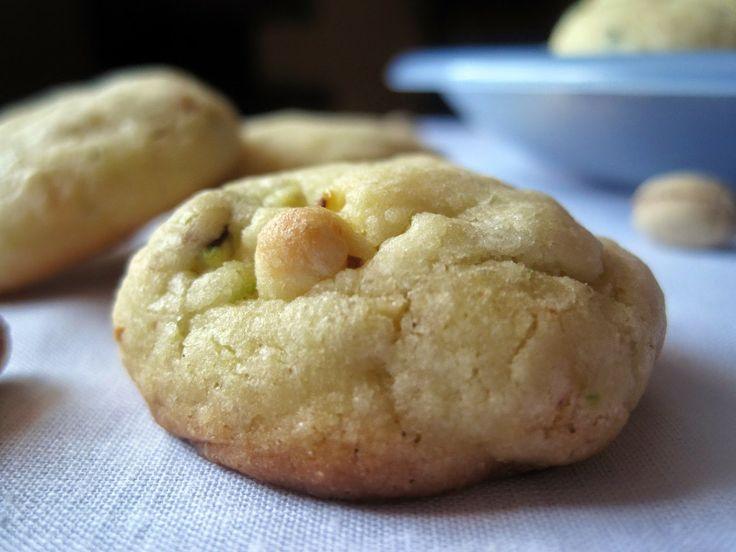 Biscotti al cioccolato bianco e pistacchi - White chocolate and pistachio cookies