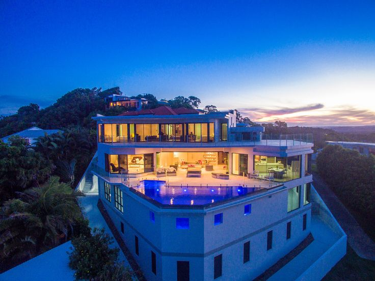 Luxury real estate in Coolum Beach Australia - Pacific Heights - Breathtaking views from sunrise to sunset - JamesEdition