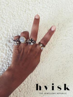 Bliv stylist for hvisk på hvisk.com/... #hvisk #hviskstylist #becomestylist #thejewelleryrepublic #hviskstyling #details #jewellery #danish #design #smykker #outfit #inspiration