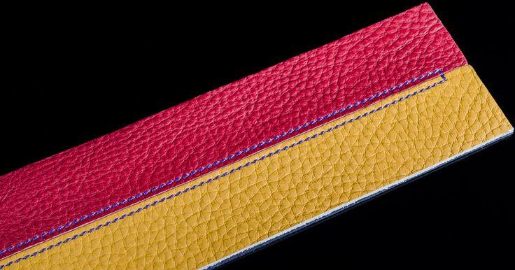 """Filo in nylon titolo 20, molto più resistente e duraturo rispetto al suo predecessore, permette alle pelli di rimanere fissate le une alle altre senza pericolo di sfilacciamento nel tempo ed eliminando completamente il rischio che """"salti"""" il filo."""