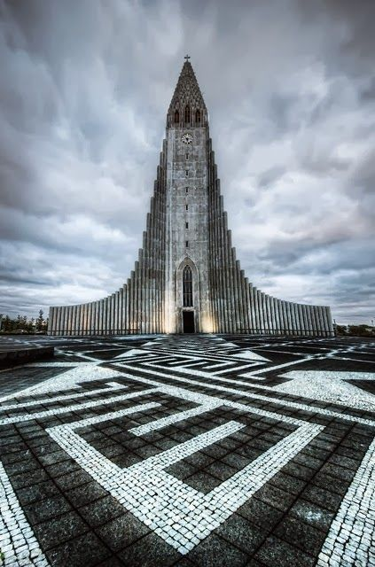 400 PX: The Church of Hallgrimur. Reykjavik, Iceland