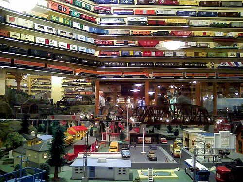 model train buildings: railroad model trains