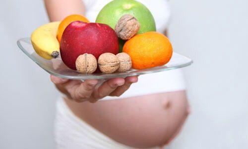 Una futura mamma in cucina – Appunti di nutrizione