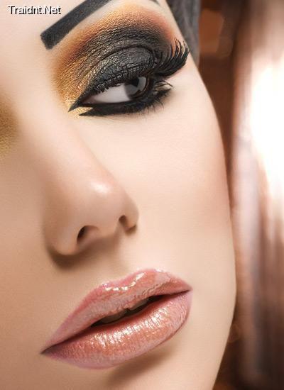 Arabian make up <3